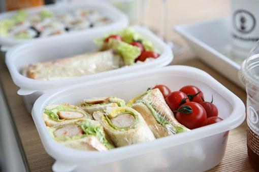 幼稚園 遠足 お弁当 食べやすい